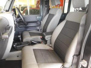 Jeep Wrangler 3.8 Unltd Rubicon automatic - Image 6