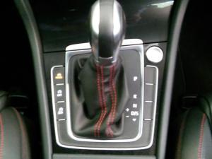 Volkswagen Golf VII GTi 2.0 TSI DSG Performance - Image 12