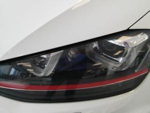 Volkswagen Golf VII GTi 2.0 TSI DSG Performance - Image 19