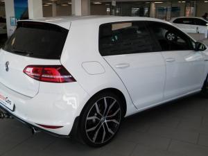 Volkswagen Golf VII GTi 2.0 TSI DSG Performance - Image 6