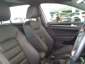 Volkswagen Golf VII GTi 2.0 TSI DSG Performance - Image 8