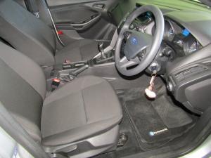 Ford Focus 1.0 Ecoboost Ambiente 5-Door - Image 3