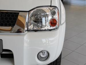 Nissan Hardbody NP300 2.4i HI-RIDERD/C - Image 3