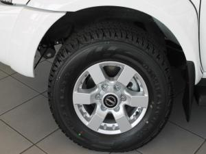 Nissan Hardbody NP300 2.4i HI-RIDERD/C - Image 4