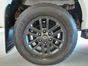 Toyota Hilux 4.0 V6 double cab 4x4 Raider Legend 45 - Image 9