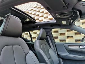 Volvo XC40 D4 AWD R-Design - Image 10