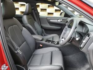 Volvo XC40 D4 AWD R-Design - Image 9