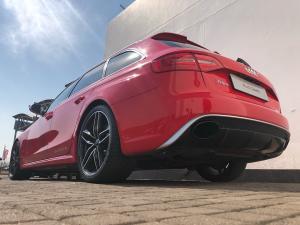 Audi RS 4 Avant Quatt Stronic - Image 4