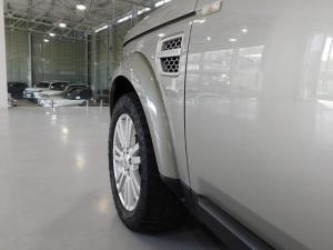 Land Rover Discovery 4 3.0 TDV6 HSE - Image 17