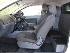 Ford Ranger 3.2 SuperCab 4x4 XLS - Image 12