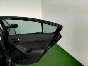 Kia Cerato 2.0 EX automatic 5-Door - Image 10
