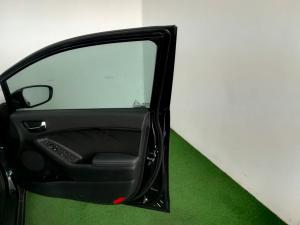 Kia Cerato 2.0 EX automatic 5-Door - Image 11