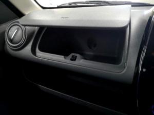 Renault Kwid 1.0 Dynamique 5-Door - Image 32