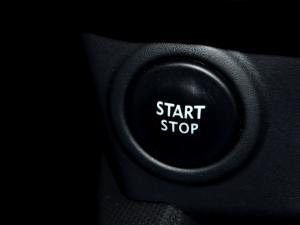Renault Clio IV 900 T Expression 5-Door - Image 28