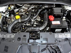 Renault Clio IV 900 T Expression 5-Door - Image 9