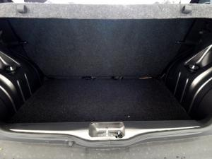 Renault Kwid 1.0 Dynamique 5-Door automatic - Image 26