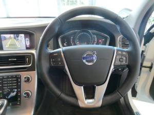 Volvo V60 Cross Country D4 AWD Momentum - Image 11
