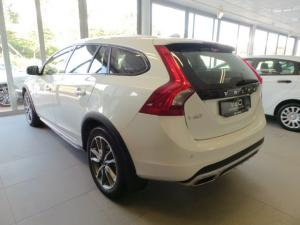 Volvo V60 Cross Country D4 AWD Momentum - Image 3
