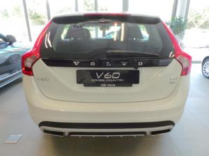 Volvo V60 Cross Country D4 AWD Momentum - Image 4