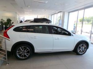 Volvo V60 Cross Country D4 AWD Momentum - Image 5