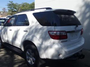 Toyota Fortuner 3.0D-4D Raised Body - Image 5