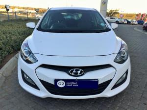 Hyundai i30 1.6 GLS/PREMIUM - Image 2