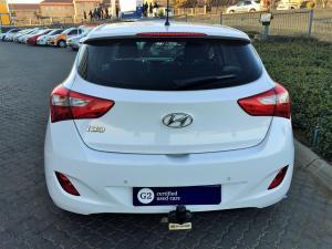 Hyundai i30 1.6 GLS/PREMIUM - Image 5
