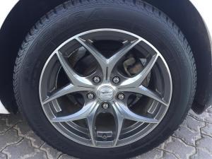 Hyundai i30 1.6 GLS/PREMIUM - Image 6