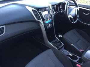 Hyundai i30 1.6 GLS/PREMIUM - Image 7