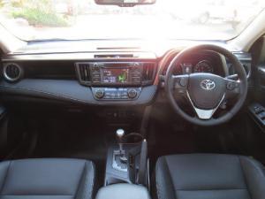Toyota RAV4 2.2D-4D AWD VX - Image 10