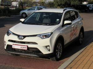 Toyota RAV4 2.2D-4D AWD VX - Image 2