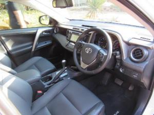 Toyota RAV4 2.2D-4D AWD VX - Image 9
