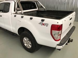 Ford Ranger 3.2TDCi XLS 4X4 automaticSUP/CAB - Image 4
