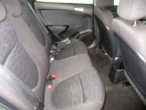 Hyundai Accent 1.6 GLS/FLUID automatic - Image 11