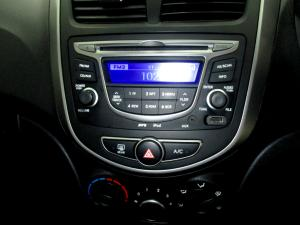 Hyundai Accent 1.6 GLS/FLUID automatic - Image 14