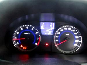 Hyundai Accent 1.6 GLS/FLUID automatic - Image 17