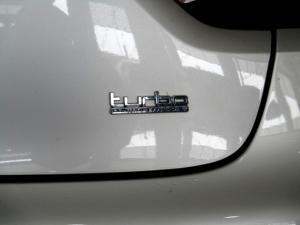 Renault Clio IV 900T Blaze LTD Edition 5-Door - Image 28