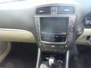 Lexus IS 250 automatic - Image 10