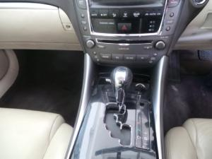 Lexus IS 250 automatic - Image 11