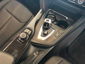 BMW 318i automatic - Image 12