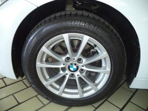 BMW 3 Series 320i - Image 5