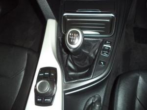 BMW 3 Series 320i - Image 8