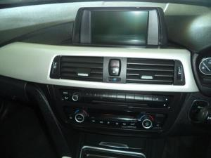 BMW 3 Series 320i - Image 9