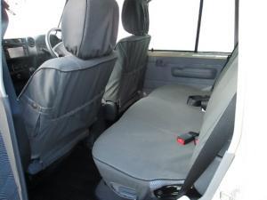 Toyota Land Cruiser 76 Land Cruiser 76 4.5D-4D LX V8 station wagon - Image 3