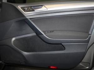 Volkswagen Golf VII 1.0 TSI Trendline - Image 14