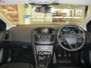 Ford Focus 1.0 Ecoboost Ambiente - Image 17