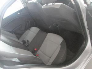Hyundai i20 1.4 Fluid automatic - Image 6