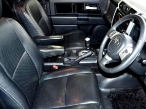Toyota L/CRUISER FJ 4.0 V6 Sport Cruiser - Image 14