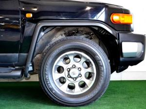 Toyota L/CRUISER FJ 4.0 V6 Sport Cruiser - Image 16