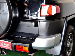 Toyota L/CRUISER FJ 4.0 V6 Sport Cruiser - Image 20